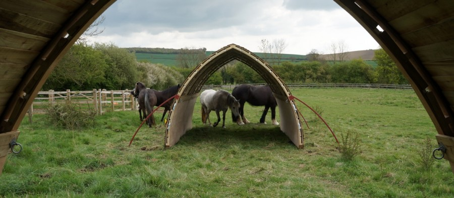 A safe and natural field shelter